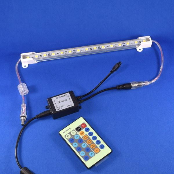 BeeLIGHTのLEDスティック専用調光器とコントローラー「BST-Dimmer controller」の商品画像。