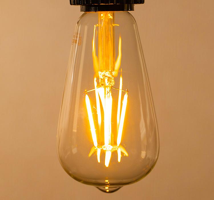 LED電球「BD-0426ST64」の実際の点灯イメージ。