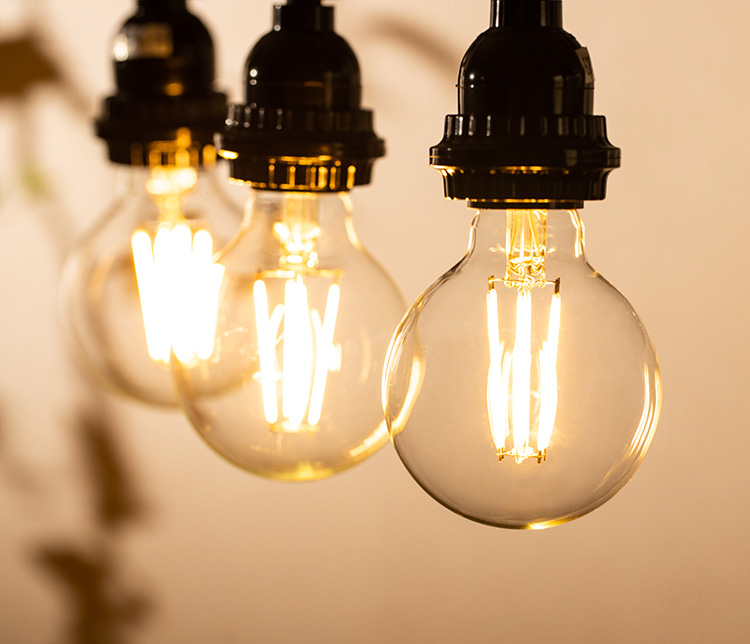 LED電球「BD-0626G80」の実際の点灯イメージ。